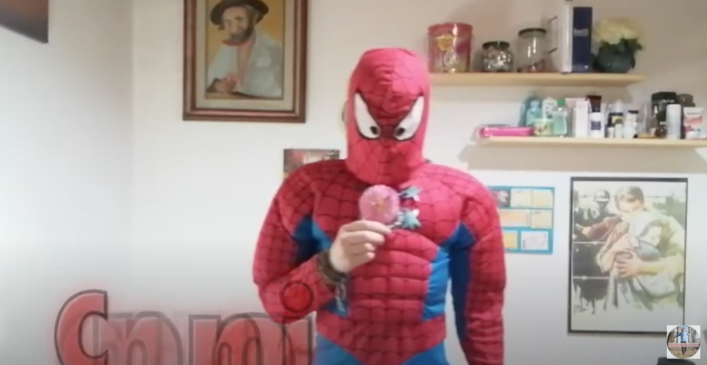 Anche Spiderman in fuori tempo